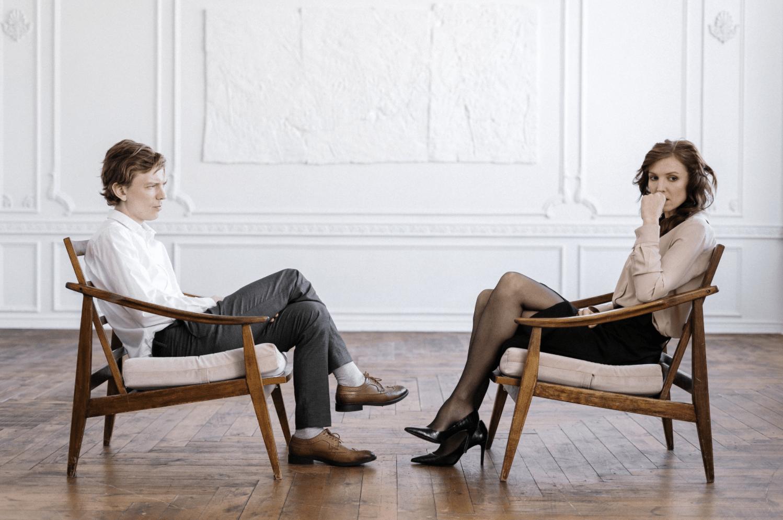 A couple discussing collaborative divorce